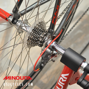 minoura-mag-red-bike-trainer-demo-1