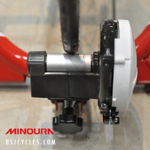 minoura-mag-red-bike-trainer-demo-2
